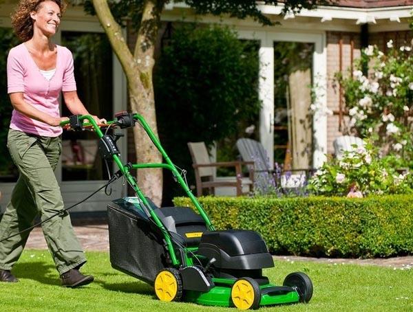 Aufsitzmäher – Rasenhelfer für bequeme Gärtner